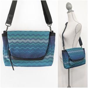 🦄 RARE Lululemon SAMPLE Bag Teal Gradient Zig Zag